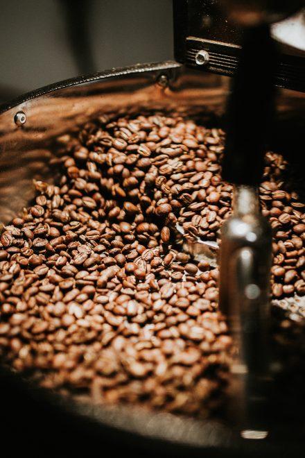 beans-black-coffee-caffeine-894695